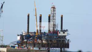 oil rig IMG_8383